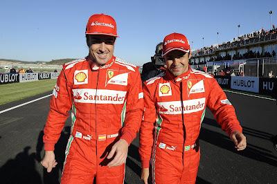 Фернандо Алонсо и Фелипе Масса идут по трассе Рикардо Тормо на Ferrari Finali Mondiali в декабре 2012