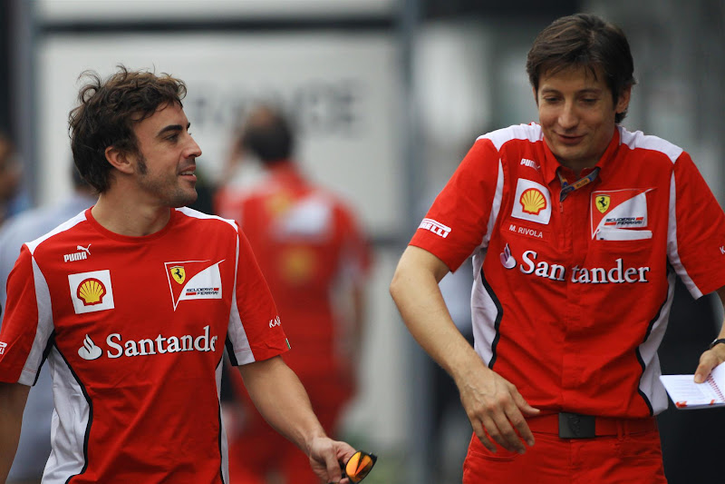 Фернандо Алонсо и Массимо Ривола на Гран-при Индии 2012