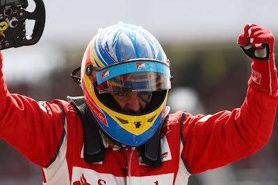 Фернандо Алонсо выиграл Гран-при Великобритании 2011