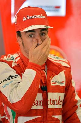 Фернандо Алонсо фэйспалмит на Гран-при Испании 2013