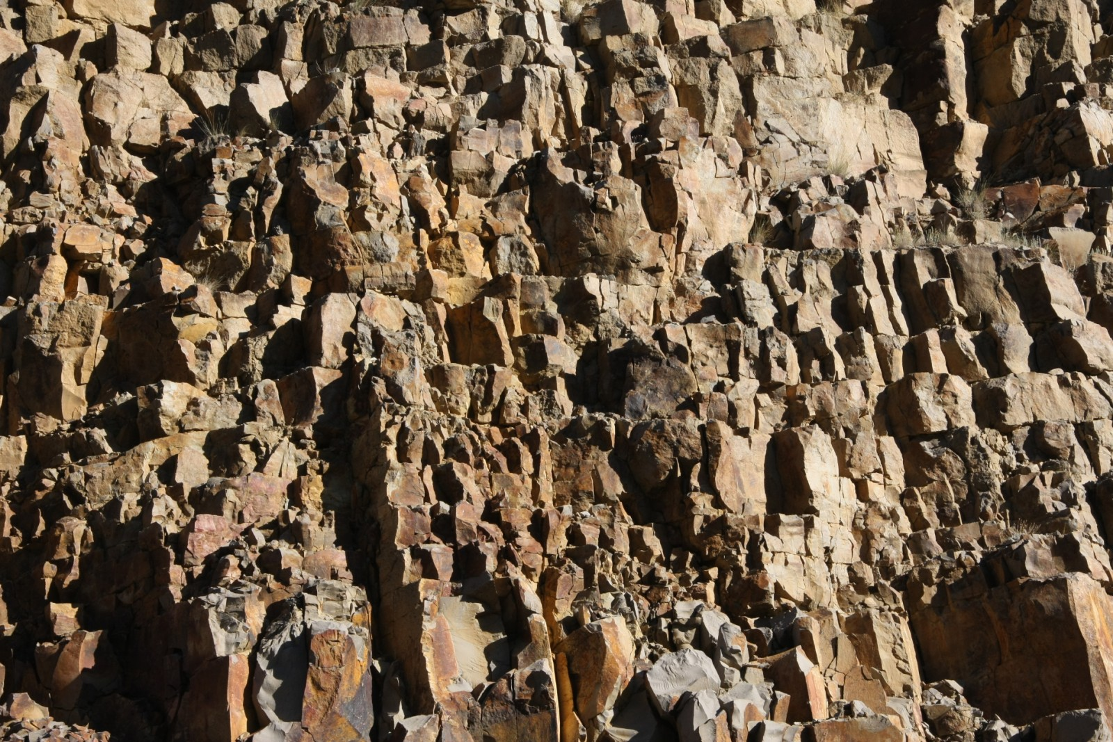of red jagged rocks,