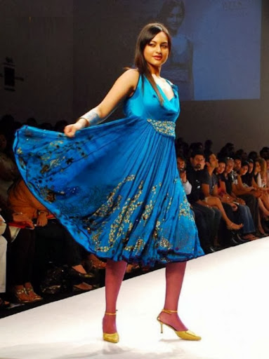 Sonakshi Sinha Cute Pics In Blue Colored Frock Skirt Walk at the Ramp