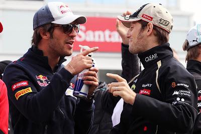 Жан-Эрик Вернь и Ромэн Грожан пальцуют на параде пилотов Гран-при Германии 2012