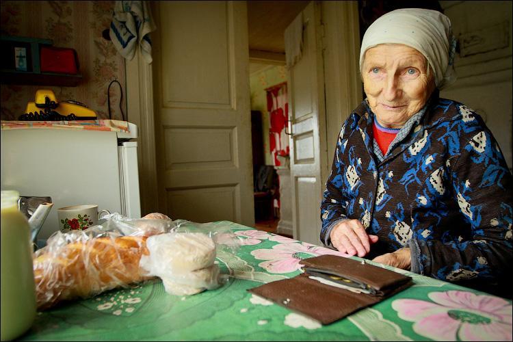 На что бабка тратит пенсию