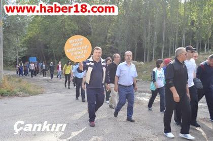 Halk Sağlığı Haftası  kapsamda Yapraklı'da yürüyüş yapıldı