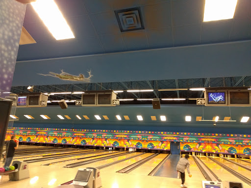 The Zone Bowling Centre, 14200 Entertainment Blvd, Richmond, BC V6W 1K3, Canada, Bowling Alley, state British Columbia