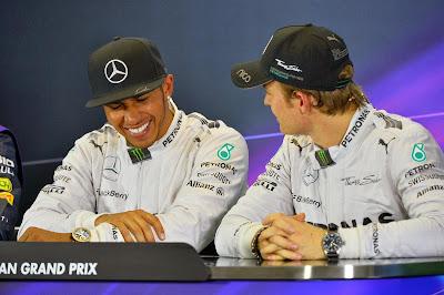 Льюис Хэмилтон и Нико Росберг на пресс-конференции после квалификации Гран-при Австралии 2014