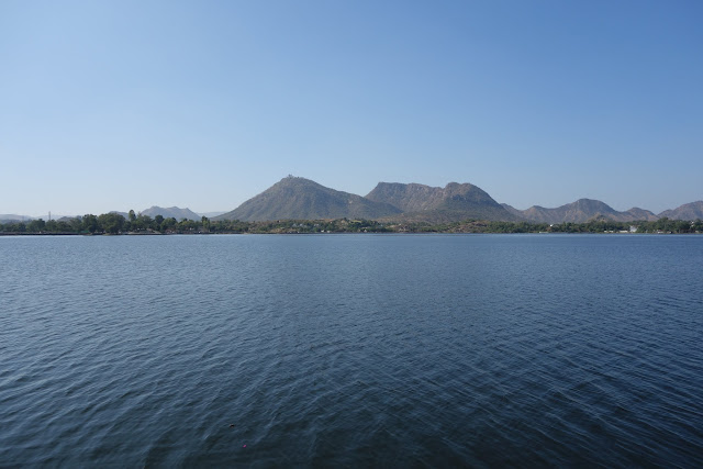 Sagar Lake with the Monsoon Palace on the hilltop in the distance.