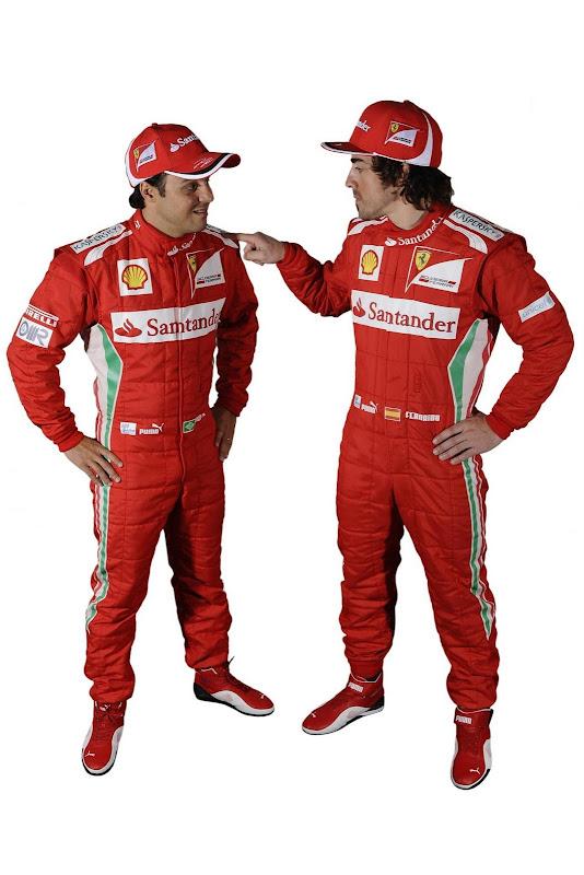 Фернандо Алонсо тычет пальцем в Фелипе Масс - пилоты Ferrari в сезоне 2012