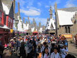 "The crowd at ""The Wizarding World of Harry Potter"""