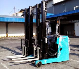 Reach Truck Sumitomo 1 - 3 tấn
