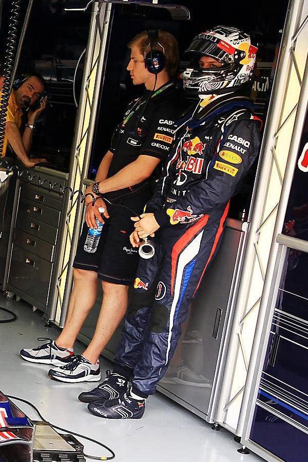 Себастьян Феттель охлаждается на Гран-при Малайзии 2012