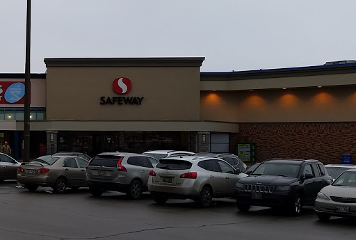 Safeway, 2025 Corydon at Edgeland, Winnipeg, MB R3P 0N5, Canada, Bakery, state Manitoba