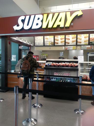 Subway, 2055 Purcell Way, North Vancouver, BC V7J 3H5, Canada, Fast Food Restaurant, state British Columbia