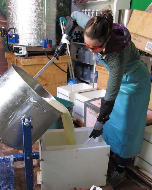 Pouring into a 100Lb Mold 1