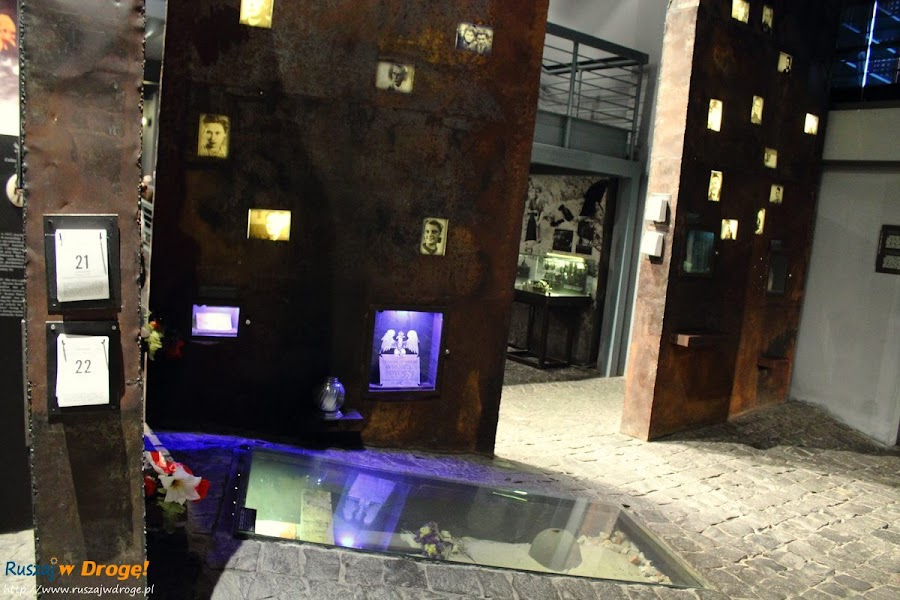 muzeum powstania warszawskiego - miejsce pamięci