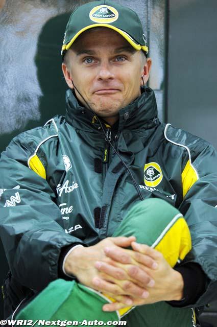 Хейкки Ковалайнен с забавным лицом на Гран-при Кореи 2011