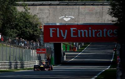 сердечко на старом овале Монцы для Нико Росберга на Гран-при Италии 2013