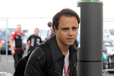 Фелипе Масса прибывает на Нюрбургринг на Гран-при Германии 2011