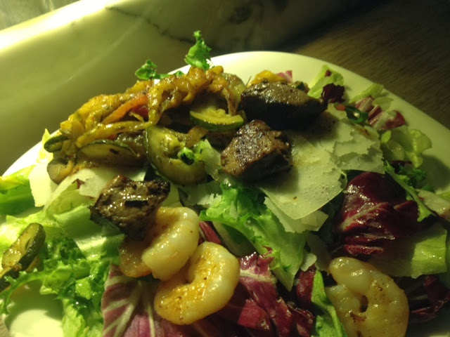 Salad with halal beef, prawns and lettuce from Vapiano