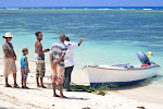 Chrzest łodzi na Anse Reunion.