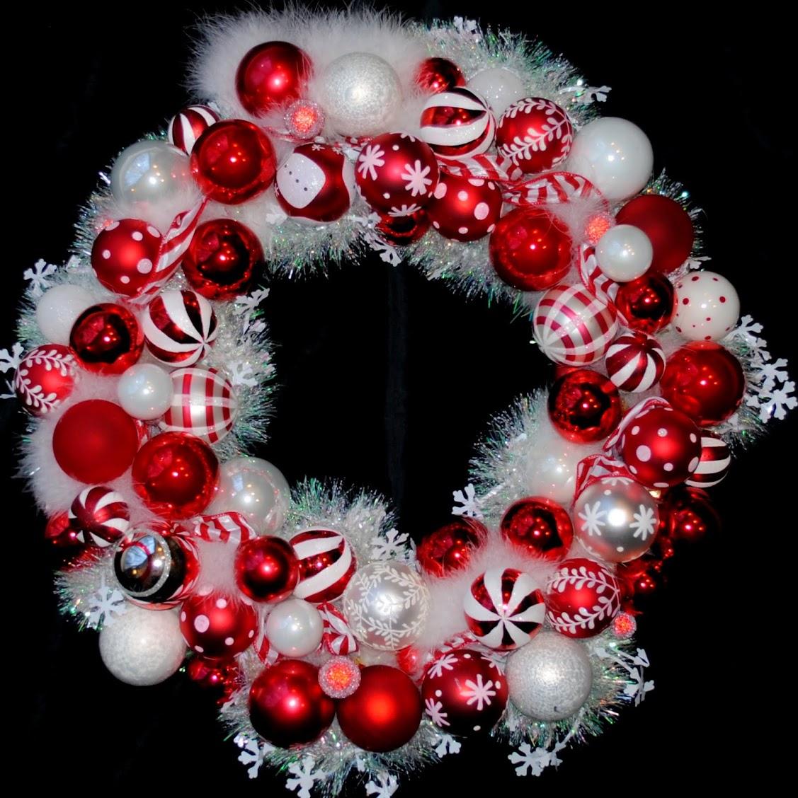 Peppermint Swirl Vintage Ornament Wreath OWR8006