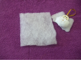 Material: Um pedaço de manta acrílica.