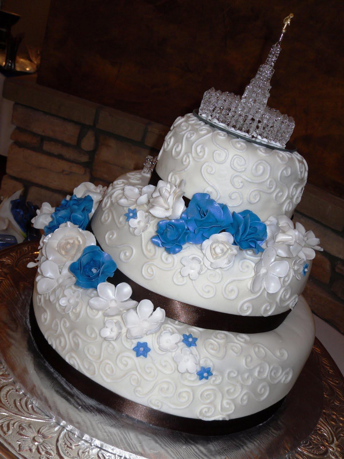 Missi s blog Royal Blue Lace Wedding Cake wedding sign