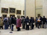 Así que mucha gente (como nosotros) acude a ella a primera hora para evitar las tremendas aglomeraciones para observarla