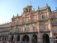 Ayuntamiento de Salamanca, presidiendo la Plaza Mayor