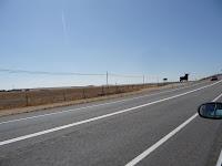 Los Toros de Osborne todavía sobreviven, éste en la autopista que une Salamanca y Ávila