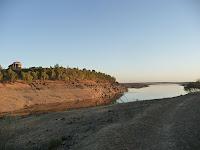 Las aguas tranquilas del Embalse pueden alcanzar más de 1000 hectómetros cúbicos, aunque la ausencia de lluvia lo mantenga lejos de ese máximo