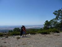 Desde aquí es visible el Embalse de Gabriel y Galán, así como gran parte de las provincias de Salamanca y Cáceres