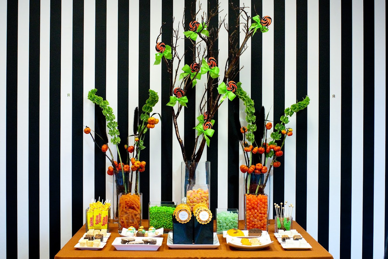 Gorgeous Halloween Dessert Table
