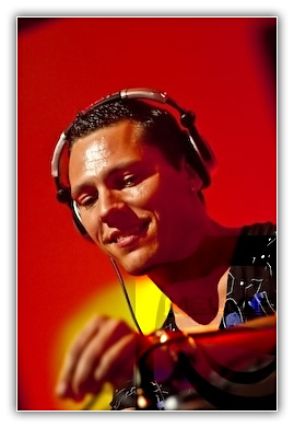 Tiesto - Club Life 152 ( Miss Nine guestmix ) - 26.02.2010