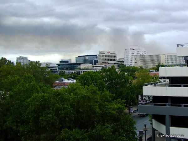 Stomlo smoke over Civic