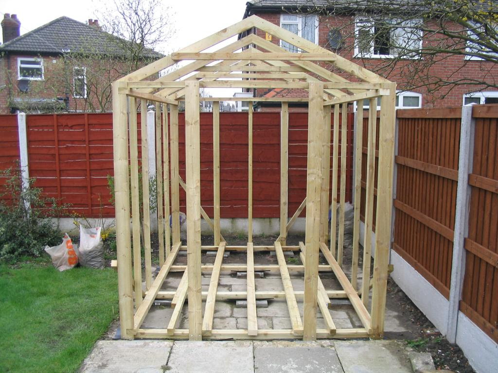 Как своими руками построить сарай на даче