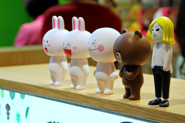 台北 LINE FRIENDS STORE 微風松高店