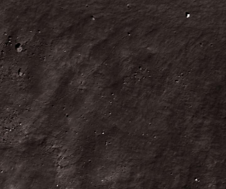 M111415328L1.jpg