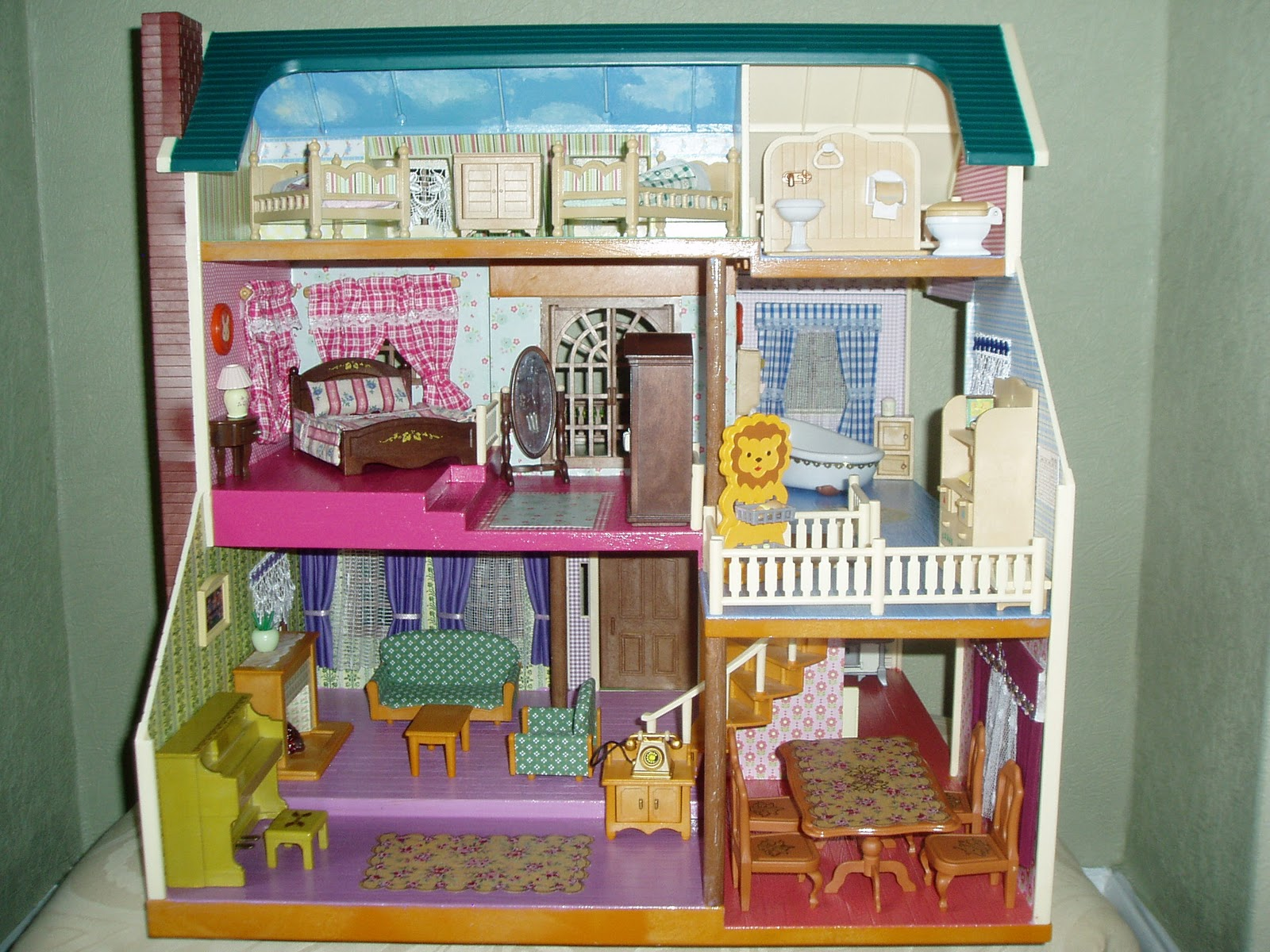 Sylvanian Couture Designer Homes: The House on the Hill
