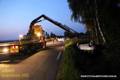 Auto in de sloot na stuurcorrectie overloonseweg vierlingsbeek 05-06-2013 (7).JPG
