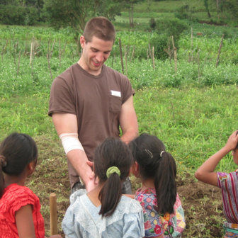 tim silberg with guatemalan girls