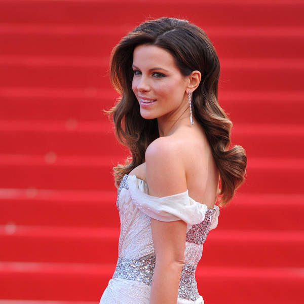 The British beauty Kate Beckinsale shot to fame with Pearl Harbor which made a lot of money. After the movie, she also starred in Serendipity, The Aviator, Van Helsing and Click.