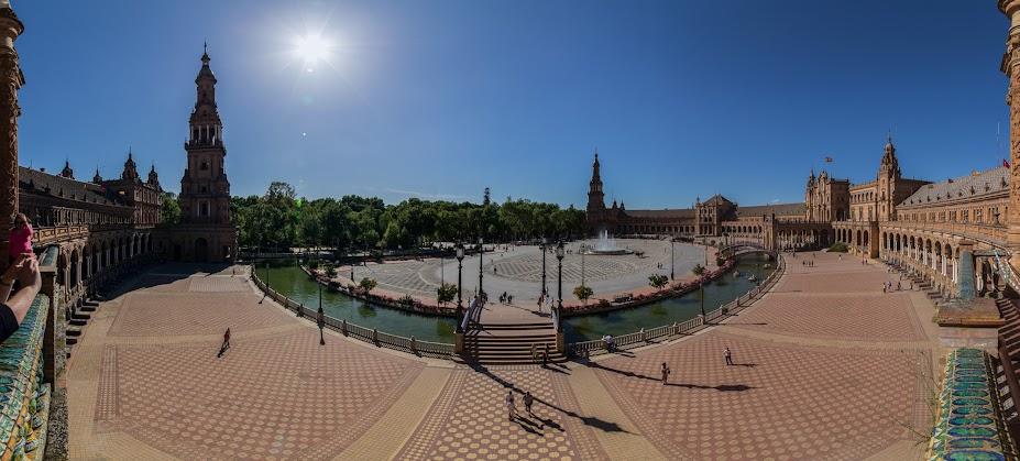 https://lh4.googleusercontent.com/--8pxNIru3VI/VTzXeSdqeQI/AAAAAAAAOMw/TXxIPTh8SOs/w927-h419-no/20150418_Sevilla_PlazaDeEspana_5821_pano.jpg