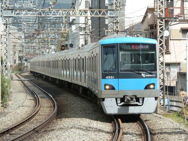 小田急電鉄 快速急行 相模大野行き2 4000形(東京電力計画停電に伴う運行)