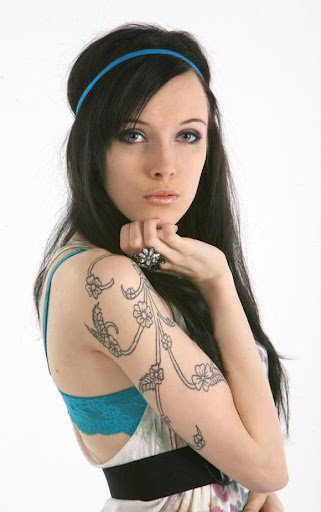 Laura Dustin