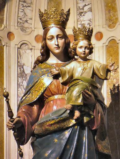 La statua di Maria Ausiliatrice con il Bambino Gesù in Duomo