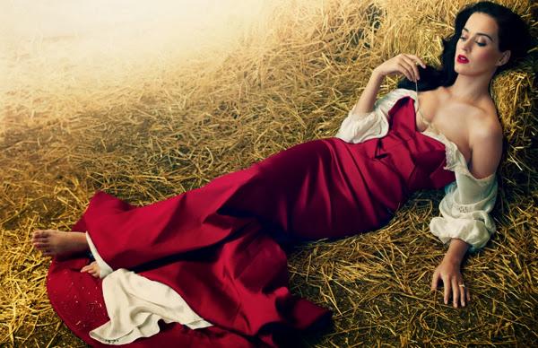 Katy Perry, posando