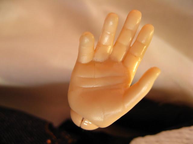 Lelļu rokas/линии жизни на кукольных руках IMG_2504