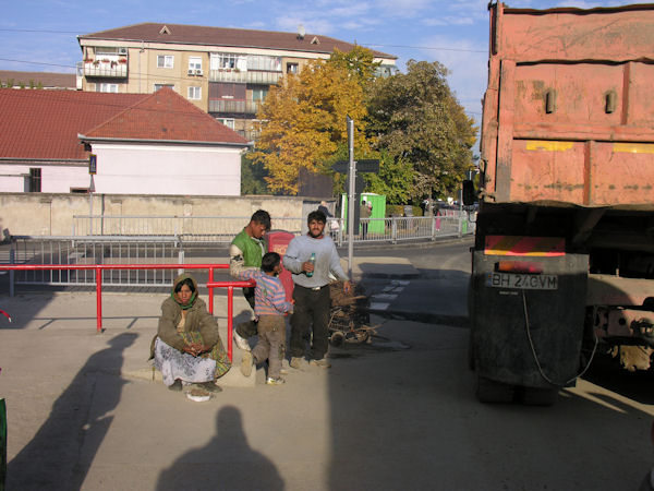 Ţigani culegători de fier vechi în Oradea #4